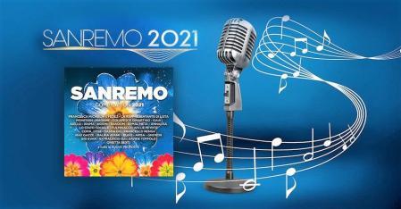 Sanremo 2021 con microfono e fiori